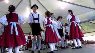 Grupo Folclórico EEB São Bento - Schlactfest