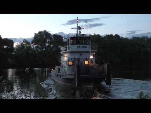 видео: Буксиры РТ-392 и Речной-83 с баржей 577