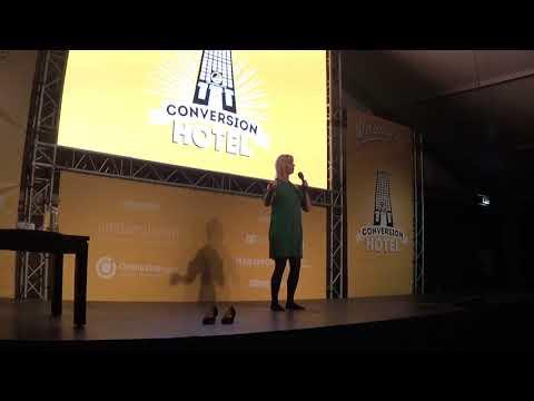 Speaker Annemarie Steen plays the audience    HD 720p