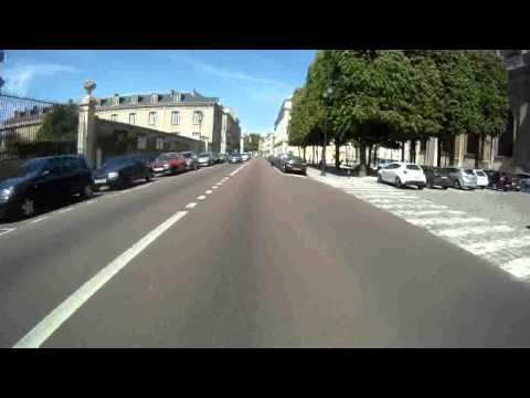 Yamaha X-max 125 - Akrapovic exhaust system - Versailles city 1/2