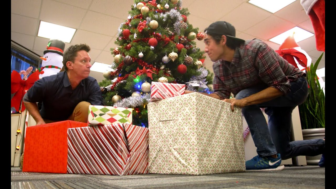 Zach King Brings Christmas Bling to Klick! - YouTube