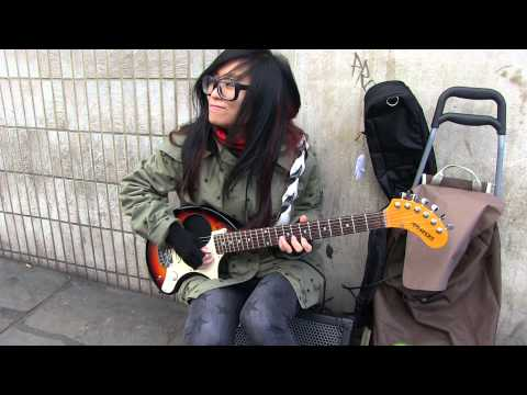 STAR   BUSKING AT CAMDEN TOWN NWI