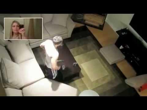 девушка издевается над своим бойфрендом видео