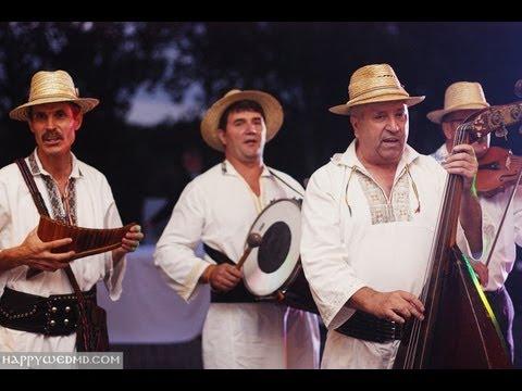 Зажигательная молдавская музыка