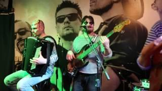 Макароны по-флотски (live)  Страна лимония (cover)(Это видео создано с помощью видеоредактора YouTube (http://www.youtube.com/editor), 2013-11-05T05:37:40.000Z)