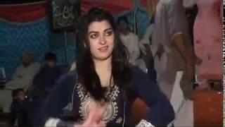 Pakistani Sexy Mujra Larki Ny Apne Sare Kapry Otar diye