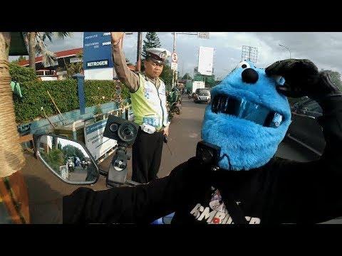 ISENGIN POLISI BERHARAP ELMO DI TILANG 😁