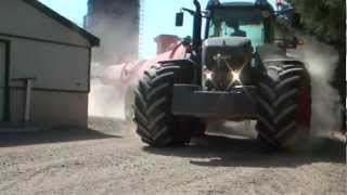 Fendt 933 Hauling Manure with Nuhn Spreader