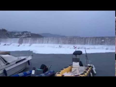 Temporal de levante en puerto deportivo marina del este la - Marina del este la herradura ...
