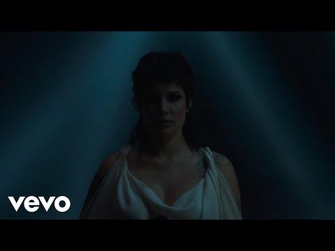 Halsey - I am not a woman, I'm a god (Live)