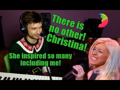 Vocal coach Yazik REACTS to Christina Aguilera ft Dr John - Merry Christmas, Baby Live