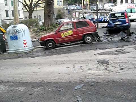 BORA a 200km/h TRIESTE -mai visto prima una cosa del genere- 10-03-2010 DANNI!!!