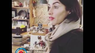 Тина Канделаки проверила армянскую лавку на московском рынке