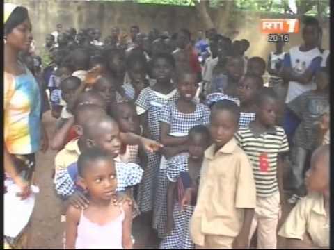 La fondation children of africa fait un don de kits scolaires à des écoles primaires de Mbayakro
