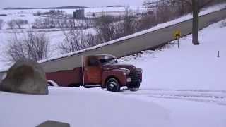 453T Detroit Diesel in the snow!