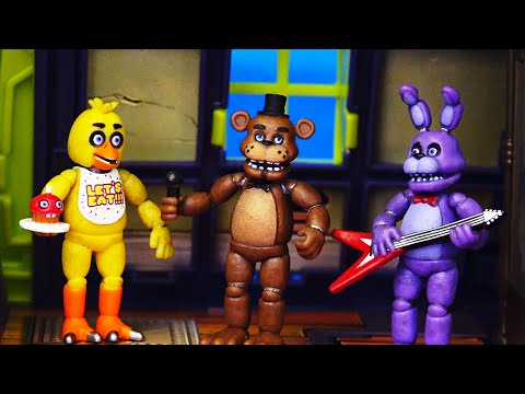 Scooby Doo Haunted House and FNAF Toys & Dolls - Scooby and Shaggy Spend Five Nights At Freddy
