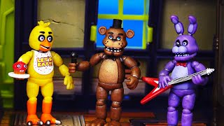 Scooby Doo Haunted House and FNAF Toys & Dolls - Scooby and Shaggy Spend Five Nights At Freddy's