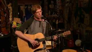 "Kid (Acoustic} Live - ""What makes a man"" & ""Esme"" at Kulaks Woodshed"