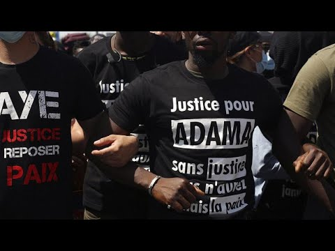 lucha-de-la-policía-francesa-por-mejorar-su-deteriorada-imagen