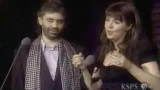 莎拉•布萊曼與義大利歌手安德列•波伽利合唱的《告別的時刻》