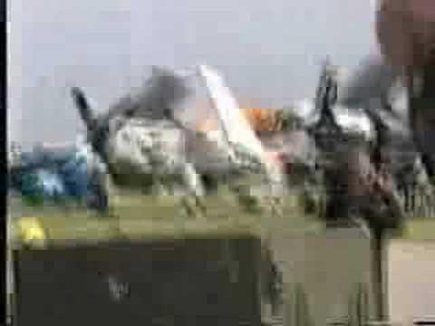 accident mortel d 39 avion youtube. Black Bedroom Furniture Sets. Home Design Ideas
