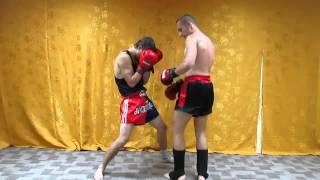 Тайский бокс  Комбинация   нокаут коленом в голову(Мир тайского бокса: http://nicekick.ru/ Мой канал: http://www.youtube.com/user/TheDementr Тайский бокс, тайский бокс видео, клуб тайско..., 2014-02-17T18:23:16.000Z)