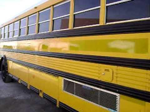 Large School Bus Walkthrough