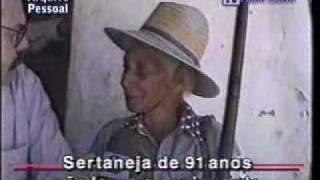 ROBERTO BULHÕES - AQUI AGORA - Velhinha de 91 anos atira de espingarda e revólver.flv