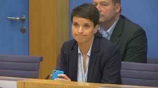 AfD-Pressekonferenz mit Paukenschlag: Petry will nicht in AfD-Fraktion
