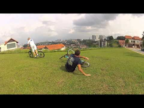 [HD] GoPro: Bike Jumps
