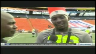 Dez Bryant talks with Marshall Faulk at the 2014 Pro Bowl