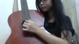 Nghịch đàn guitar phong cách tì bà =))