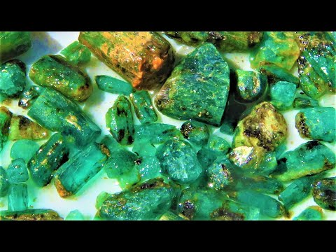 Found a lot of EMERALD Crystals | Liz Kreate