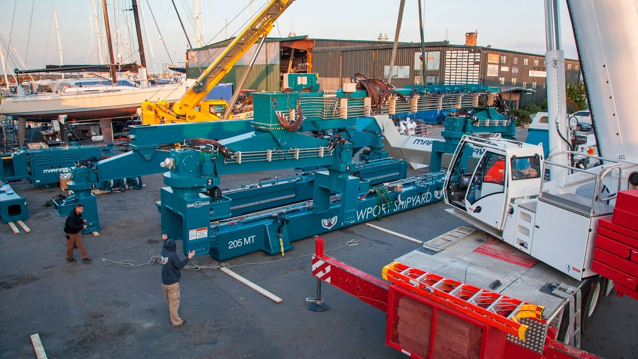 Newport Shipyard Builds a Marine Travel Lift