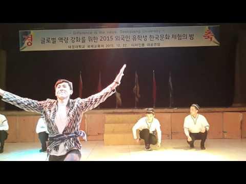 Koreyada Andijon polka va Gangnam style yasha o'zbek!