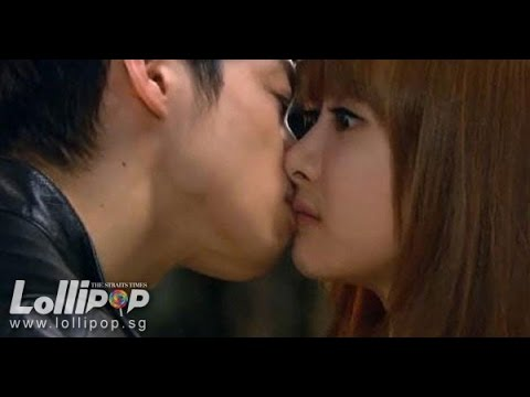 F(x) - Victoria Kiss Scene