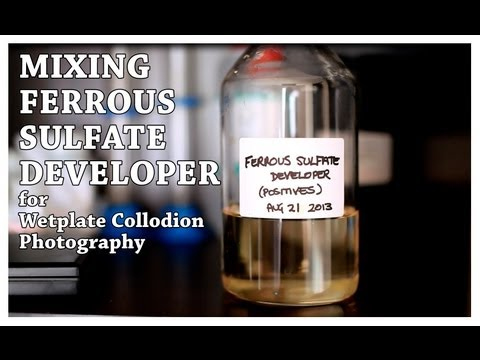 mixing-ferrous-sulfate-developer-for-wetplate-collodion-photography