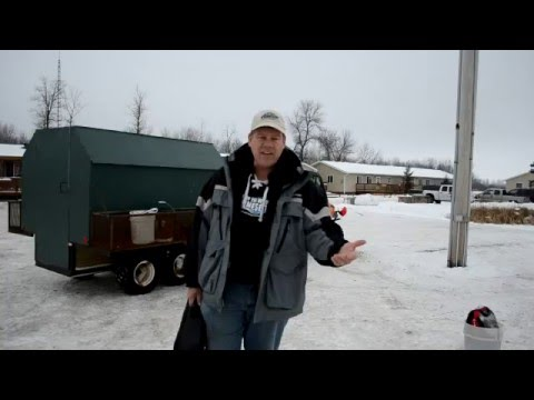 2016 ice castle 39 lake of the woods extreme 39 21 39 fish house for Lake of the woods ice fishing packages