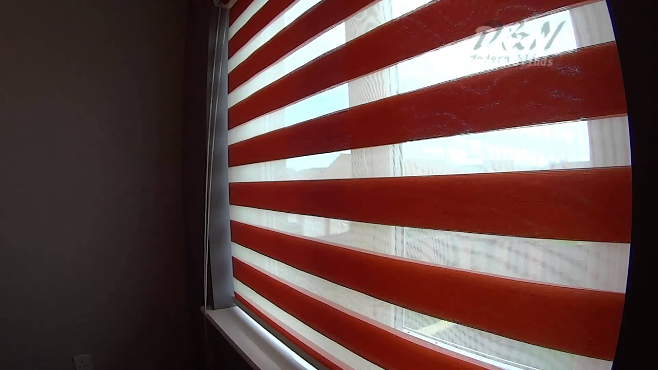 eyelets roller diamond red with blinds triple