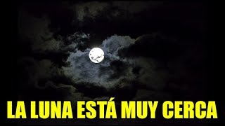 La luna esta muy cerca - Tierra plana