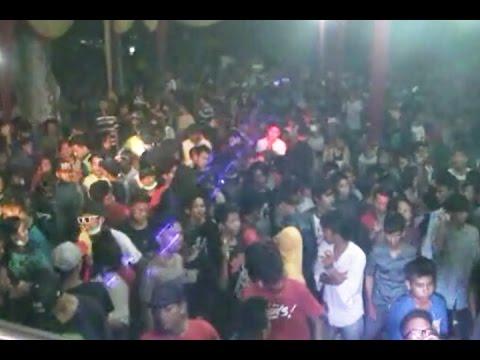 Padat..!!!  Dewi Music Live Purwosari Part1