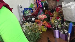 Видео урок. Как собирают букет флористы