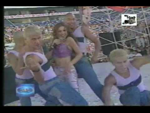 Thalia Arrasando Viva la Radio 2000
