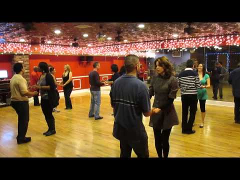 Bachata classes in Brooklyn. Beginner turns at Dance Fever Studios.
