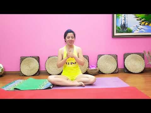 Nguyễn Hiếu chọn thảm tập Yoga loại gì? Bao nhiêu tiền?