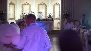 Песня в подарок от отца невесты! Подарок дочери от папы! Искренний подарок отца! Невеста плачет!
