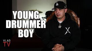 Смотреть клип Young Drummer Boy On Sureño Rappers Doing Shows In Norteño Territory (Part 8)