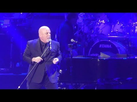 Lisa Berigan - BILLY JOEL: PERFORMS RARE SONG FOR FIRST TIME (Video)