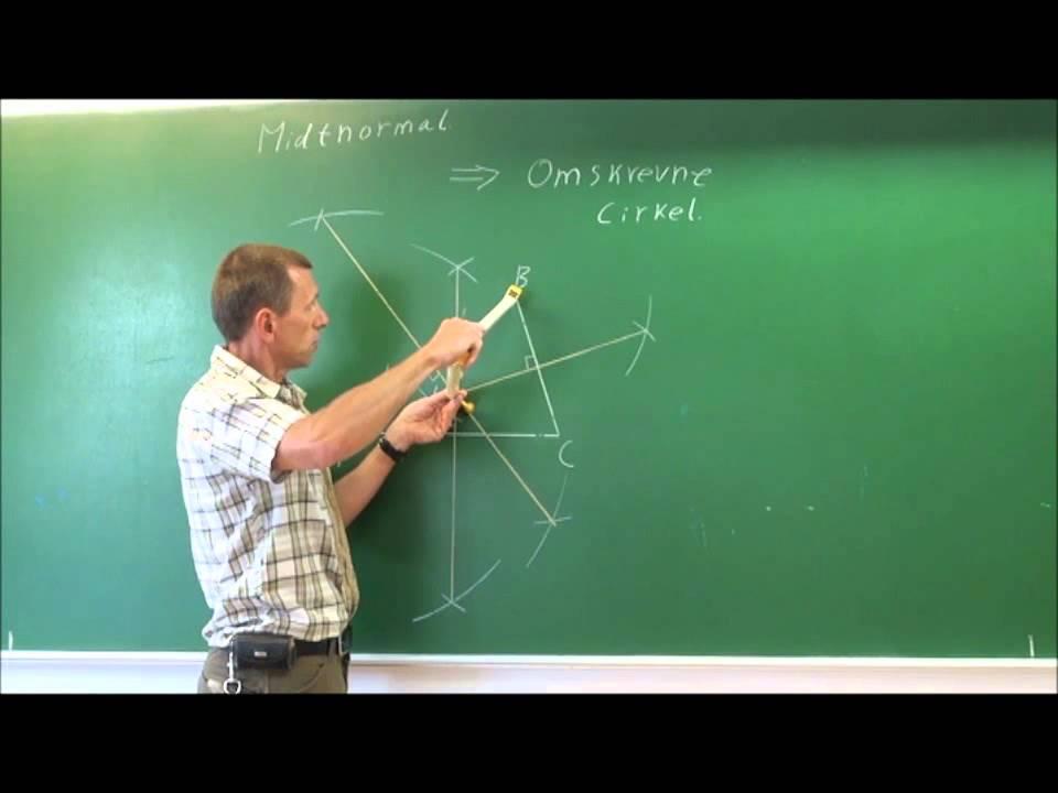 Konstruktion af den omskrevne cirkel