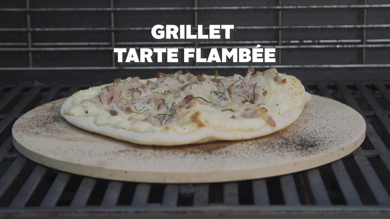 Grillet Tarte Flambee Med Pizzasten På Gasgrill Youtube